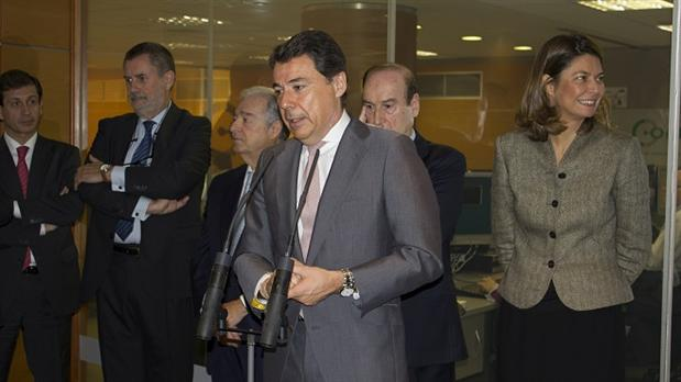 El presidente de la comunidad de madrid visita las for Oficinas corte ingles madrid