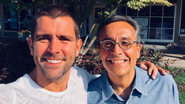 Chris Cox y Antonio Lucio, de Facebook